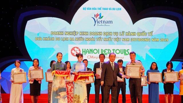 Phó Thủ tướng Vũ Đức Đam dự lễ trao giải thưởng Du lịch Việt Nam 2019 - 4