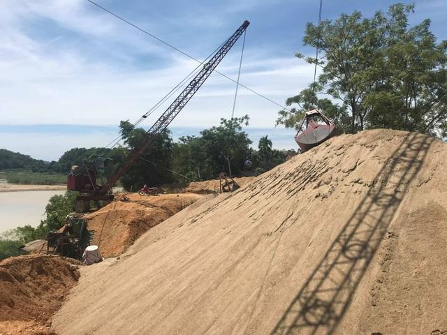 Báo động tình trạng bến tập kết cát sỏi trái phép đe doạ dòng sông Lam! - 4