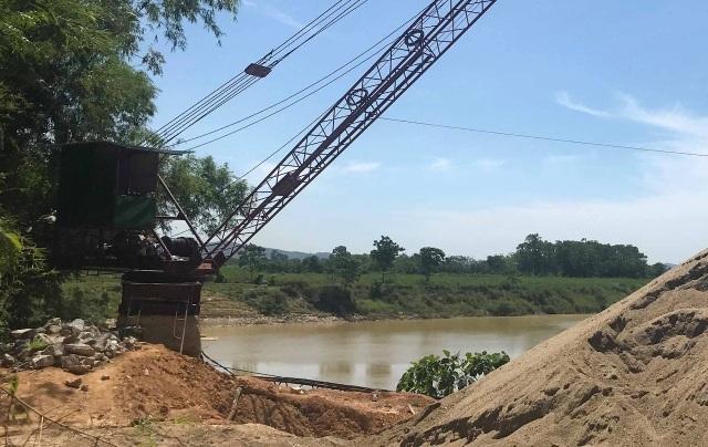 Báo động tình trạng bến tập kết cát sỏi trái phép đe doạ dòng sông Lam! - 3