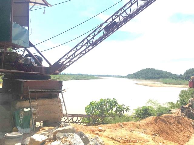 Báo động tình trạng bến tập kết cát sỏi trái phép đe doạ dòng sông Lam! - 2