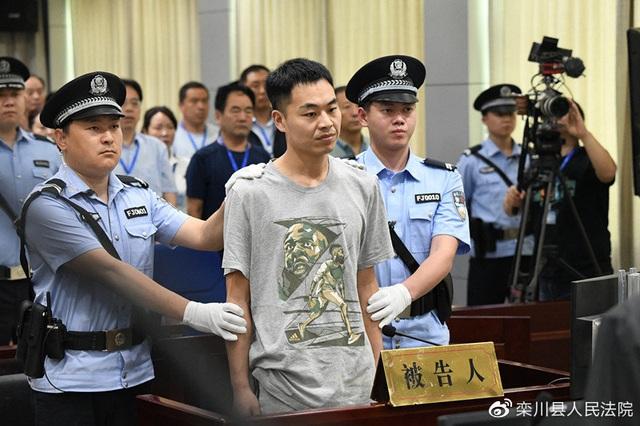 Đi tù vì chặn đánh giáo viên cũ, quay clip đưa lên mạng xã hội - Ảnh minh hoạ 4