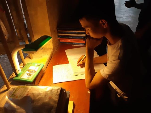 Cậu học trò nghèo quyết tâm thi vào trường Quân đội để không phải lo học phí - 2