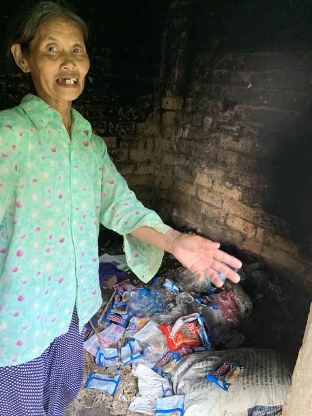 Xót thương cậu bé 6 tuổi cùng ông bà sống nơm nớp trong căn nhà dột nát - 15
