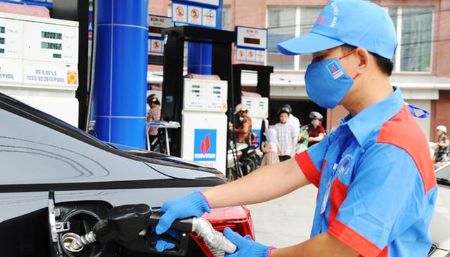 Giá xăng được dự báo tiếp tục đà tăng vào ngày mai - 1