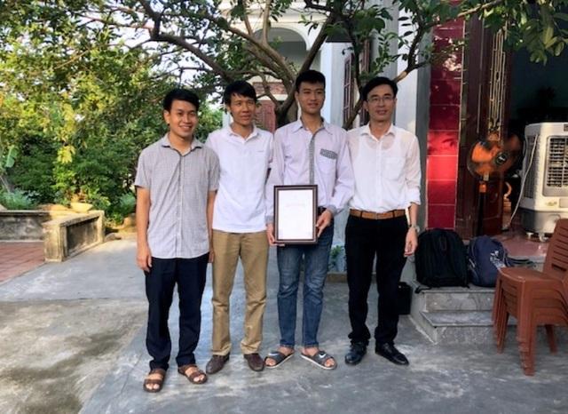 Thủ khoa khối A toàn quốc nhận học bổng tài năng của ĐH Bách khoa Hà Nội - 1