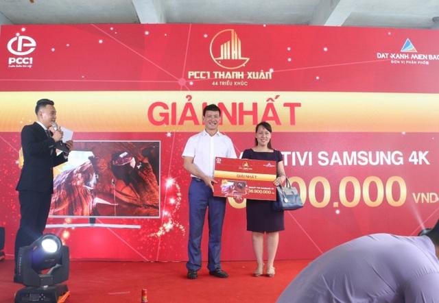 """Hàng trăm khách hàng """"chen chân"""" tham quan căn hộ mẫu PCC1 Thanh Xuân - 3"""
