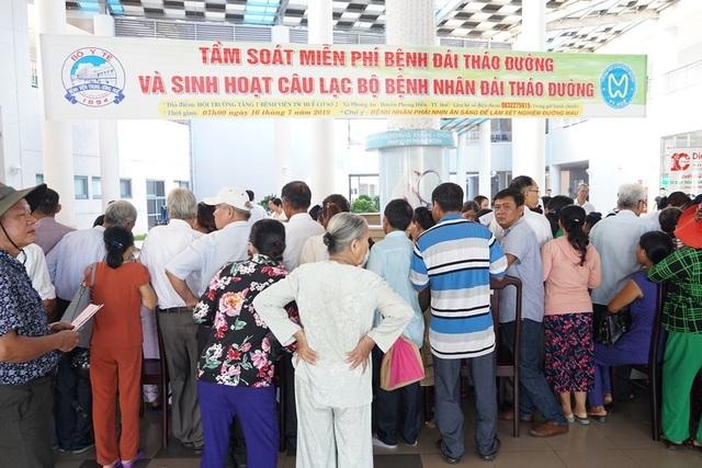 3.000 người được khám sàng lọc miễn phí bệnh đái tháo đường và bệnh lý tuyến giáp - 3