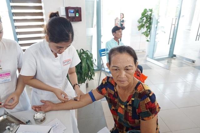 3.000 người được khám sàng lọc miễn phí bệnh đái tháo đường và bệnh lý tuyến giáp - 5