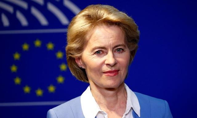 """Ủy ban châu Âu EC có """"nữ tướng"""" đầu tiên trong lịch sử - 1"""