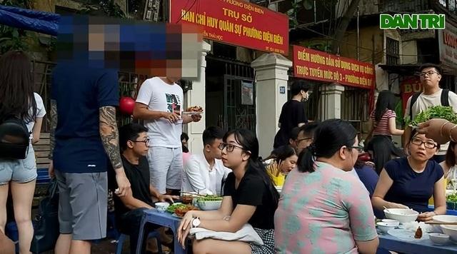 Lạ lùng những quán ăn chửi khách như tát nước chỉ có ở Hà Nội - 8