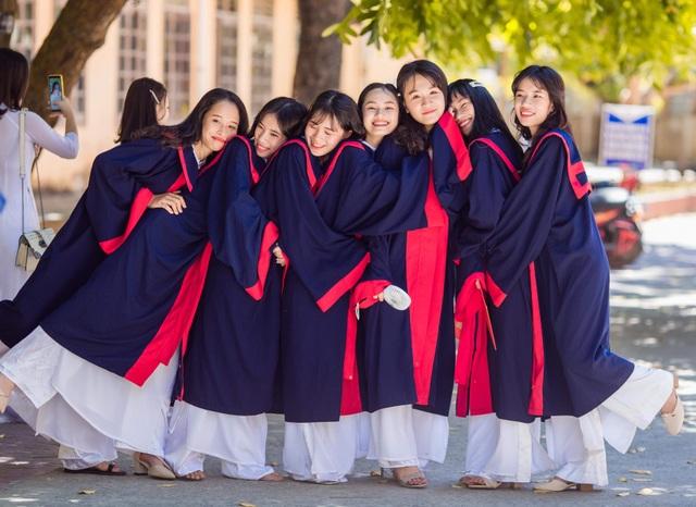 Không học thêm, chị em song sinh đạt 27 điểm khối C - 4