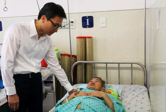 Phó Thủ tướng Vũ Đức Đam: An Giang cần tập trung đầu tư cho giáo dục và y tế - 3