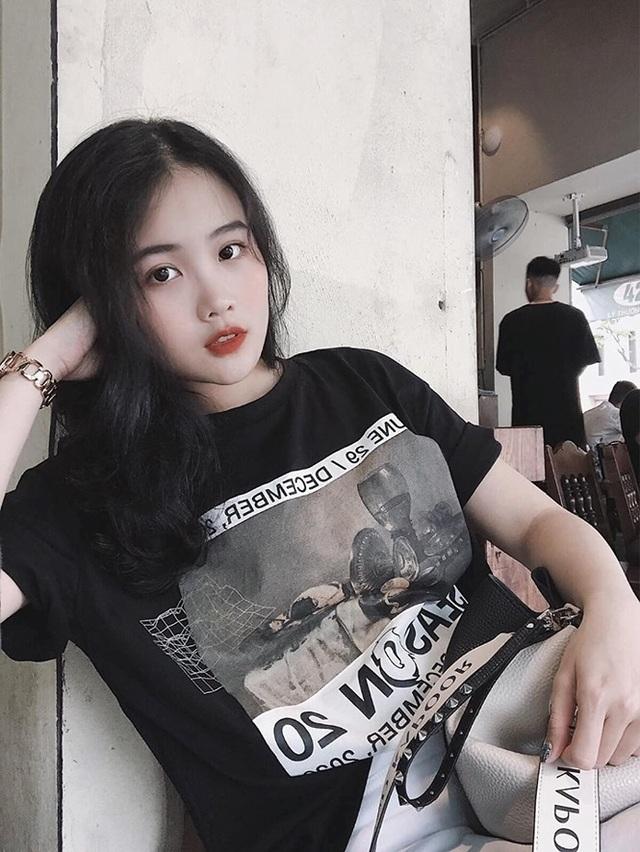 Bạn gái hotgirl của Đoàn Văn Hậu diện bikini khoe đường cong nóng bỏng - 11
