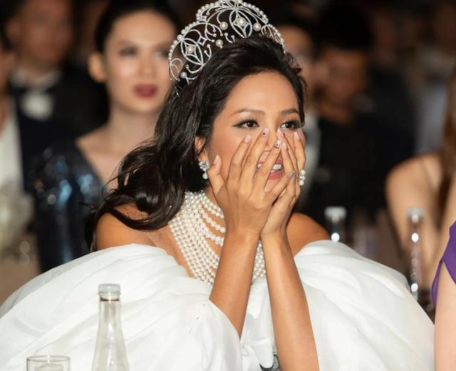 Hoa hậu H'hen Niê xúc động nhìn lại 2 năm nhiệm kỳ - 3