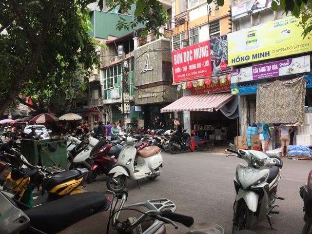Lạ lùng những quán ăn chửi khách như tát nước chỉ có ở Hà Nội - 1
