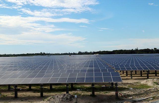 """Dự án điện mặt trời đổ xô về Hà Tĩnh, lãnh đạo tỉnh băn khoăn """"thật sự rất khó hiểu""""! - 1"""
