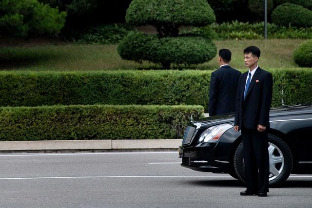 Báo Mỹ khơi lại nguồn gốc những chiếc Mercedes bọc thép của ông Kim Jong-un - 4