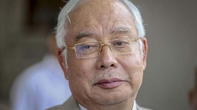 Cựu Thủ tướng Malaysia bạo tay chi 800.000 USD mua trang sức trong 1 ngày - 1