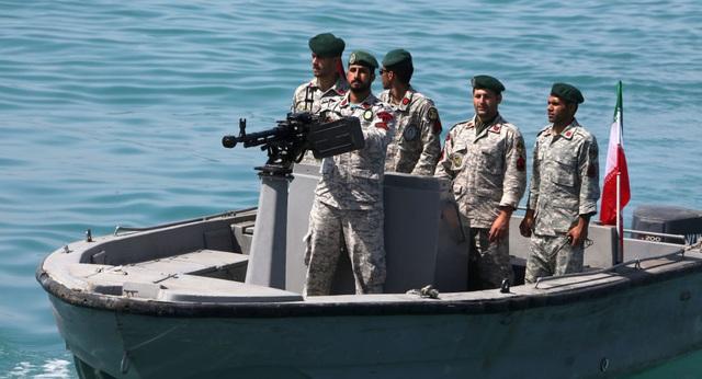 Iran tuyên bố bắt tàu dầu nước ngoài đi qua vịnh Ba Tư - 1