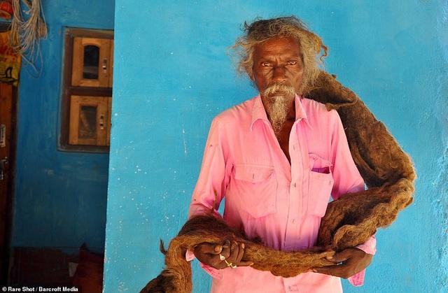 Gặp gỡ người đàn ông 40 năm không gội đầu, không cắt tóc - 2
