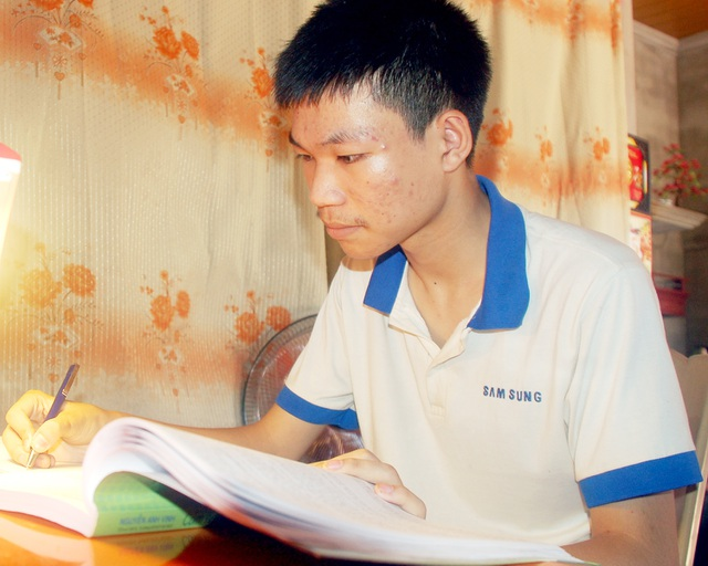Đạt 28,3 điểm khối A1, cậu học trò nghèo nuôi ước mơ thành lập trình viên - 2
