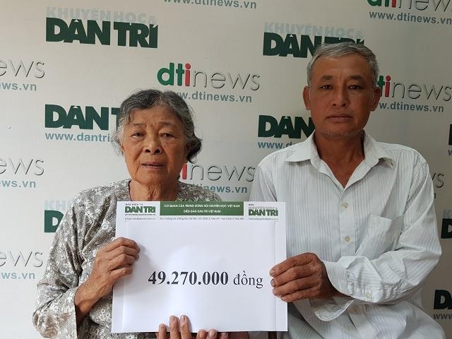 Bạn đọc Dân trí giúp đỡ mẹ già đau yếu lê lết chăm con tàn tật gần 50 triệu đồng - 2