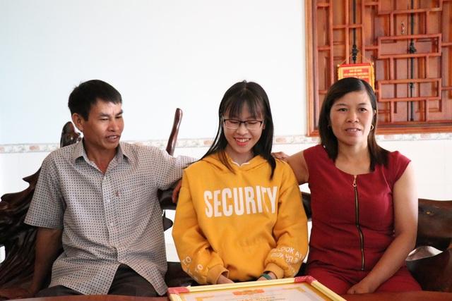 Thủ khoa khối C tại Đắk Lắk ước mơ trở thành phóng viên - 2