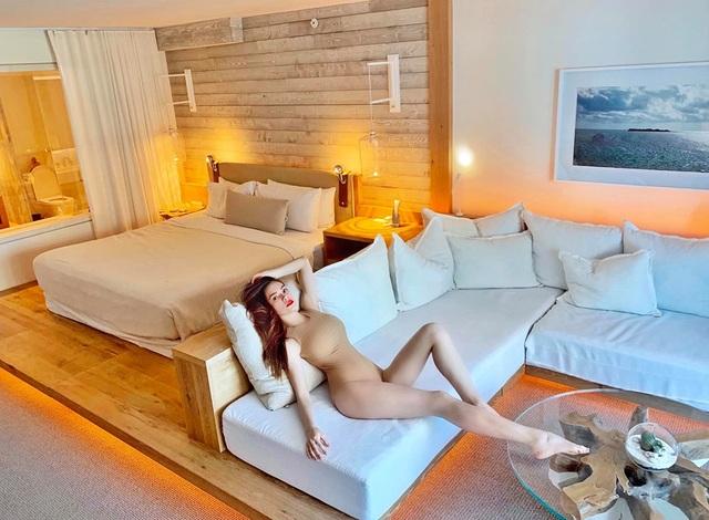 Hồ Ngọc Hà mặc bikini bốc lửa và tiết lộ chuyện hài hước sau bức ảnh - 2