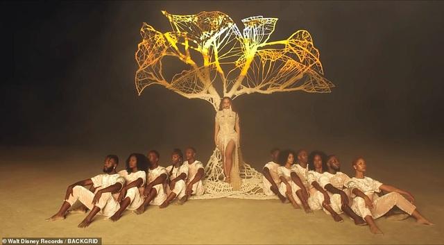 Beyonce thay 10 bộ váy trong MV mới - 15