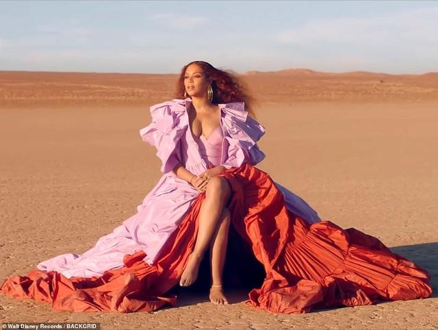 Beyonce thay 10 bộ váy trong MV mới - 1