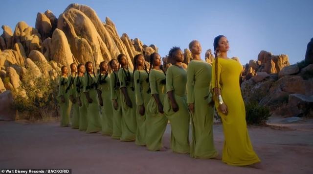 Beyonce thay 10 bộ váy trong MV mới - 11