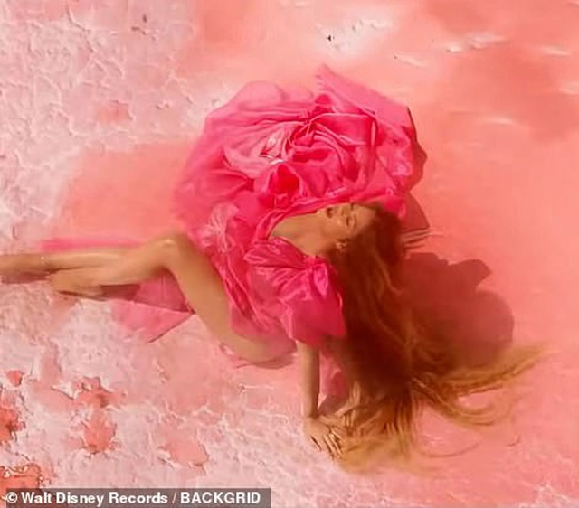 Beyonce thay 10 bộ váy trong MV mới - 2