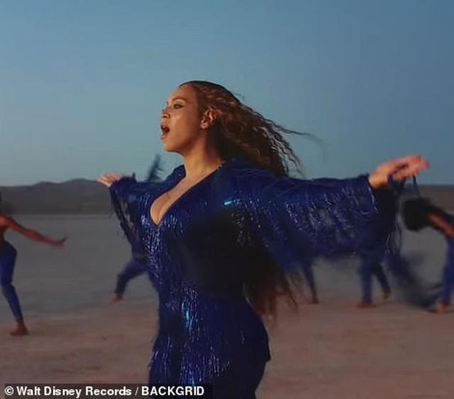 Beyonce thay 10 bộ váy trong MV mới - 7