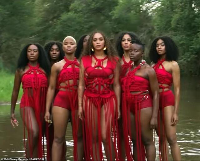 Beyonce thay 10 bộ váy trong MV mới - 4