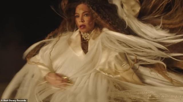 Beyonce thay 10 bộ váy trong MV mới - 9