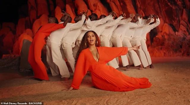 Beyonce thay 10 bộ váy trong MV mới - 8