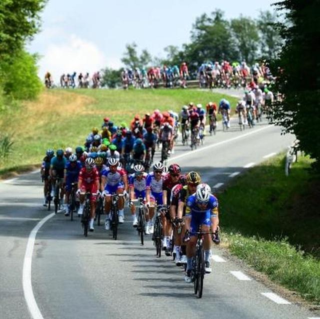 Le Coq Sportif đồng hành cùng giải đua thế kỷ Tour De France - 1