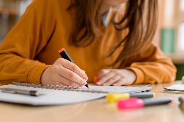 Hiệu trưởng trường trung học Mỹ tráo đề thi để học sinh đạt điểm cao - 1