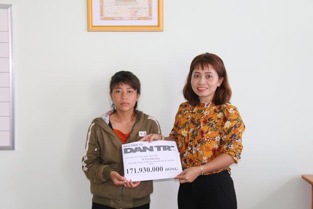 Bạn đọc Dân trí giúp đỡ bé trai bị não úng thủy gần 212 triệu đồng - 1