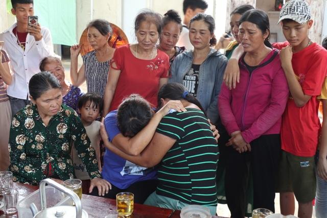 Người phụ nữ 24 năm lưu lạc Trung Quốc không dám tin còn được ôm mẹ ở quê nhà - 2