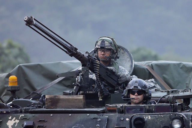 Bộ trưởng Lục quân Mỹ: Cần thêm căn cứ quân sự tại châu Á để đối phó Trung Quốc - 1