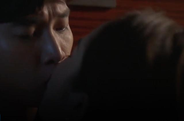 """Bí mật sau cảnh """"giường chiếu"""" nóng bỏng của Vũ và Nhã trong """"Về nhà đi con"""" - 2"""