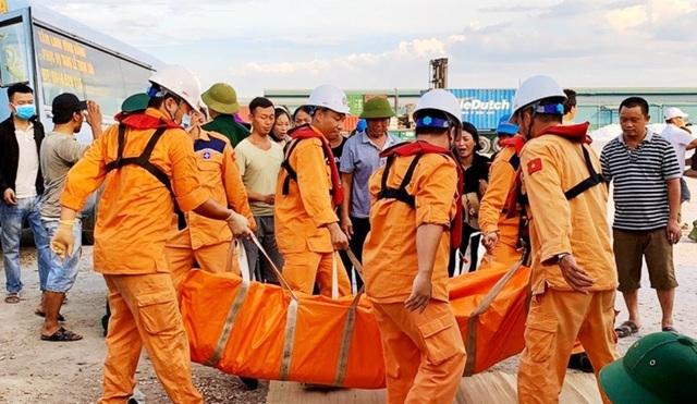 Tìm thấy 2 thi thể gần khu vực tàu cá bị chìm ở Bạch Long Vĩ - 1
