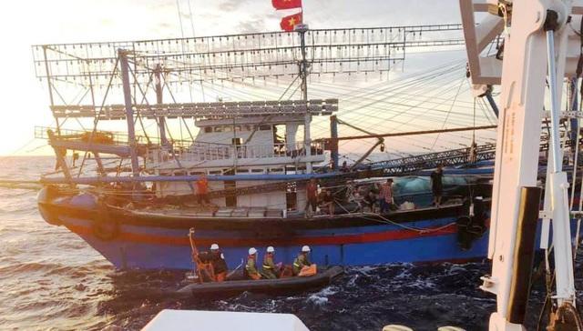 Tìm thấy 2 thi thể gần khu vực tàu cá bị chìm ở Bạch Long Vĩ - 2