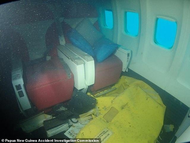 Video máy bay Boeing chở 47 người lao xuống Thái Bình Dương - 2