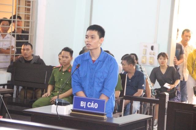 Cựu Thiếu úy công an tạt axit vào vợ sắp cưới lãnh 6 năm tù - 2