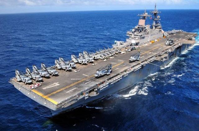 Mỹ bắn rơi máy bay không người lái của Iran ở eo biển Hormuz - 1