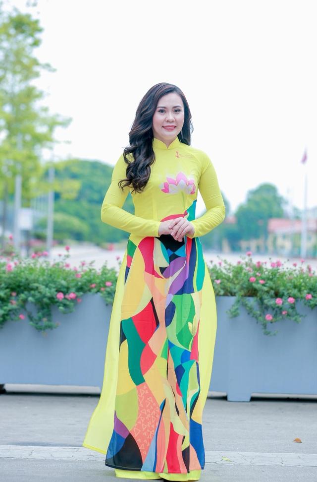 Diễn viên Phan Kim Oanh gợi cảm xinh đẹp với hình ảnh mới - 1