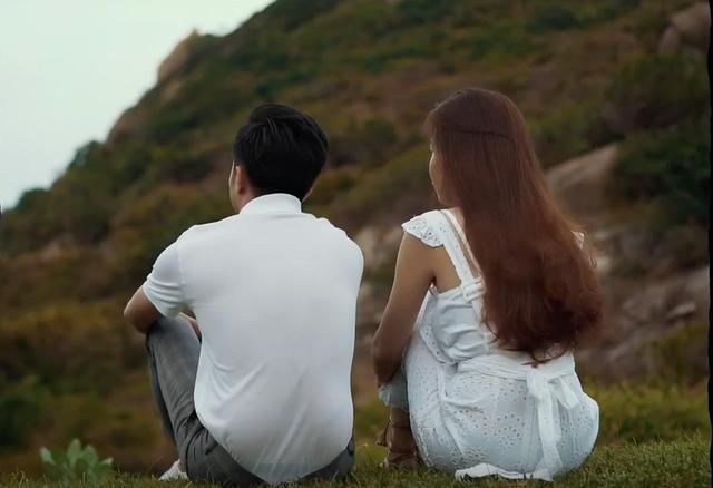 Cường Đô la lái siêu xe, hôn Đàm Thu Trang ngọt ngào trước ngày cưới - 2
