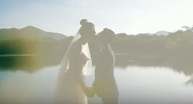 Cường Đô la lái siêu xe, hôn Đàm Thu Trang ngọt ngào trước ngày cưới - 4